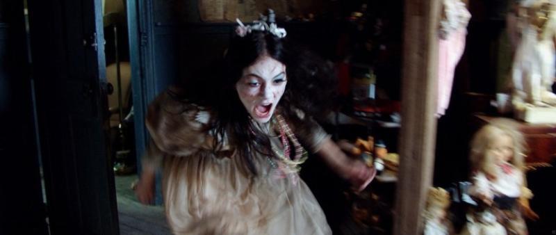 Emilia Jones en Pesadilla en el Infierno (2018)