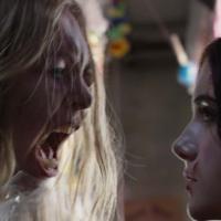 Emilia Jones y Taylor Hickson en Pesadilla en el Infierno (2018)
