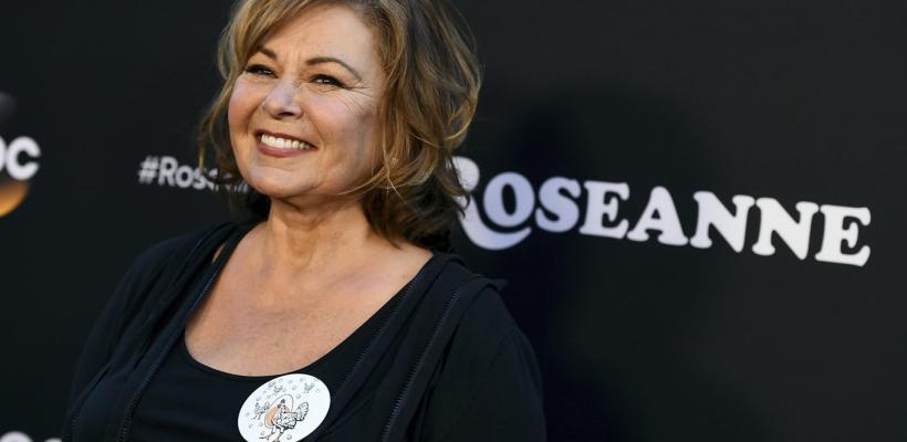 Por comentario racista de la protagonista, la serie Roseanne es cancelada