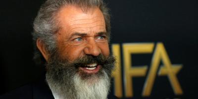 Mel Gibson escribirá y dirigirá el remake de La Pandilla Salvaje