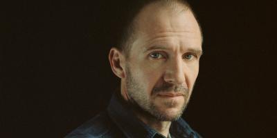 Kingsman:  Ralph Fiennes y Harris Dickinson se unen a la precuela
