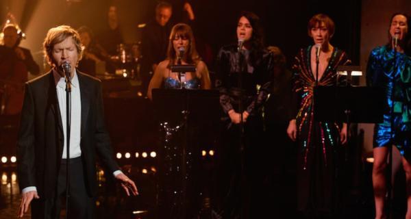 Beck interpreta Tarantula en The Late Late Show with James Corden