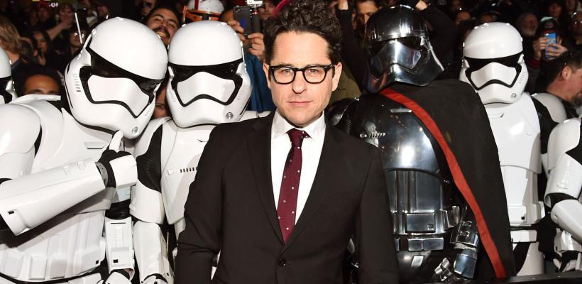 J.J. Abrams admite que The Last Jedi se desvió del camino trazado por él en el Episodio VII