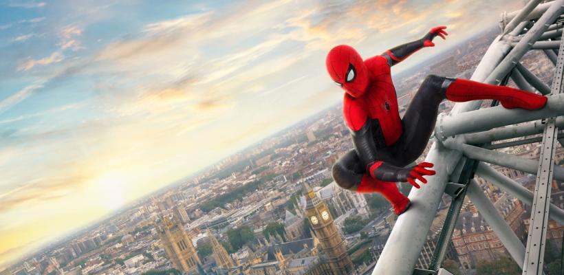 Spider-Man: Lejos de Casa   Nueva y enigmática imagen muestra a Peter y Mysterio como mejores amigos