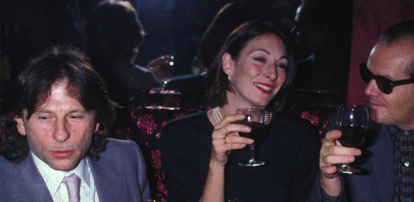 Anjelica Houston defiende a Roman Polanski: ligar a menores era la moda en esa época
