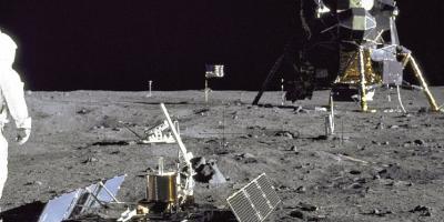 Especialista en cine explica por qué la llegada del hombre a la Luna no pudo ser falseada