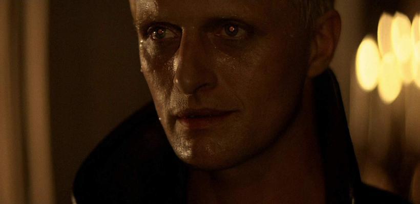 ¿Por qué el villano de Rutger Hauer en Blade Runner se volvió memorable?