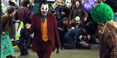 Joker usa las críticas negativas para su promoción