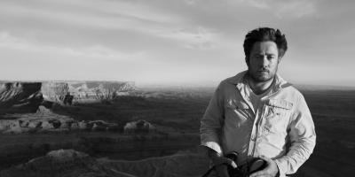 ENTREVISTA: Juliano Salgado y la realidad a través de una lente familiar