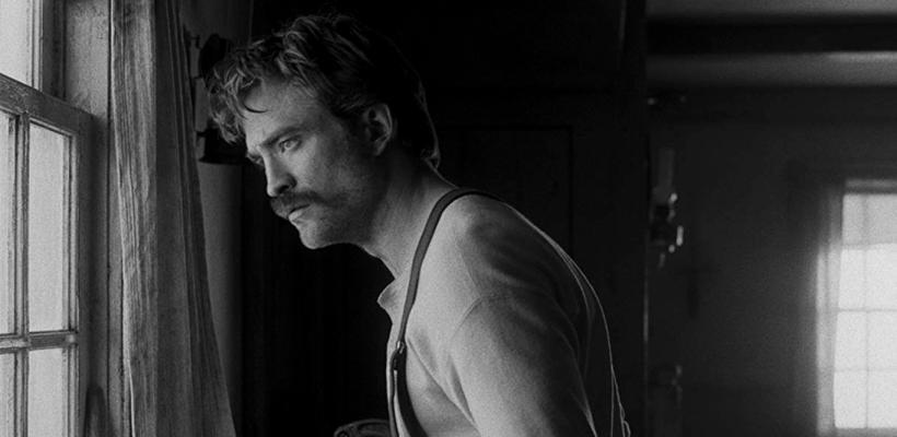 Robert Pattinson podría ser nominado al Óscar por su actuación en The Lighthouse
