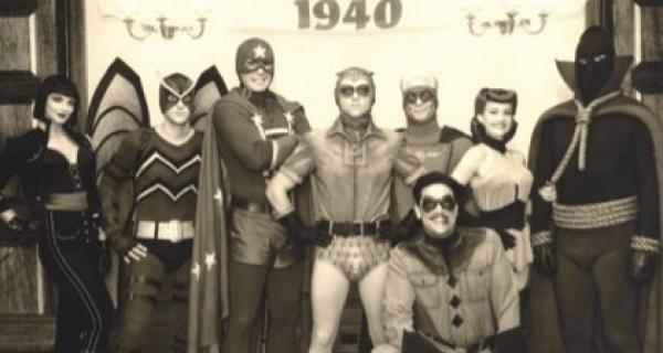 Watchmen, Los Vigilantes - Escena de créditos iniciales