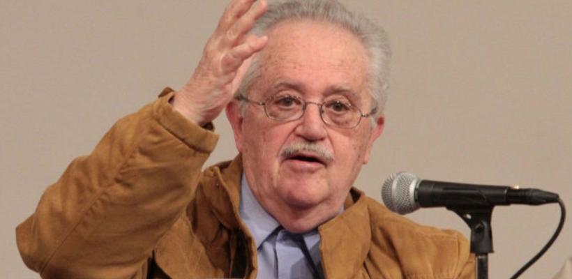 Adiós José de la Colina, el autor de Luis Buñuel, prohibido asomarse al exterior