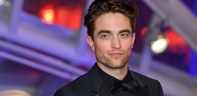 Robert Pattinson se burla de los actores de método