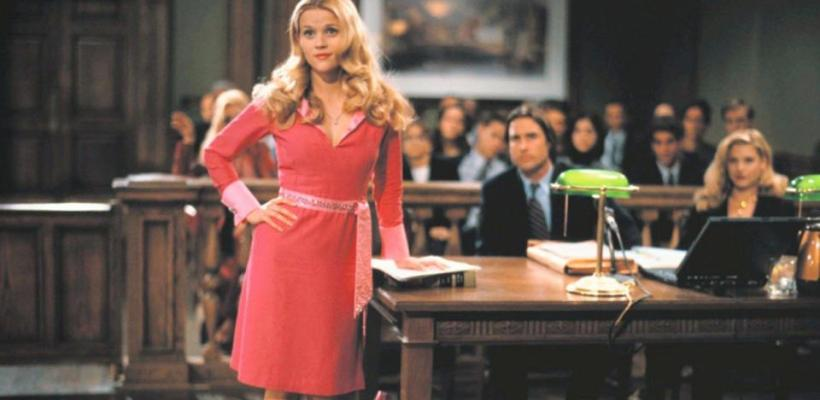 Reese Witherspoon revela que vestirse sexy fue el requisito para el papel en Legalmente Rubia