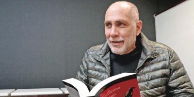 El mexicano Guillermo Arriaga gana el Premio Alfaguara de Novela 2020