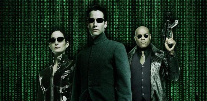 Matrix 4: Video del rodaje muestra a Neo y Trinity haciendo una impresionante acrobacia desde una azotea