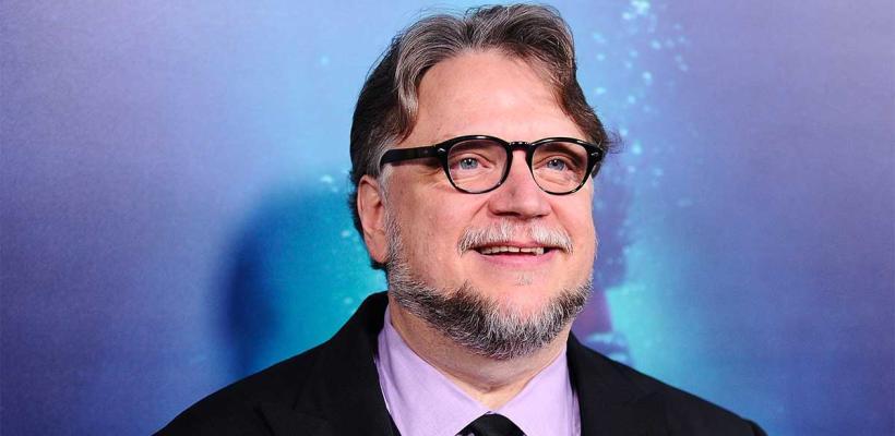 Artista veracruzano crea sorprendente mural de Guillermo del Toro hecho con clavos e hilos