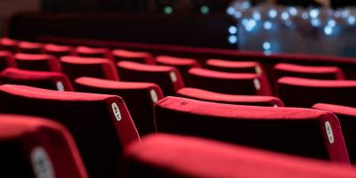 Expertos responden si es seguro ir al cine en estos momentos de coronavirus