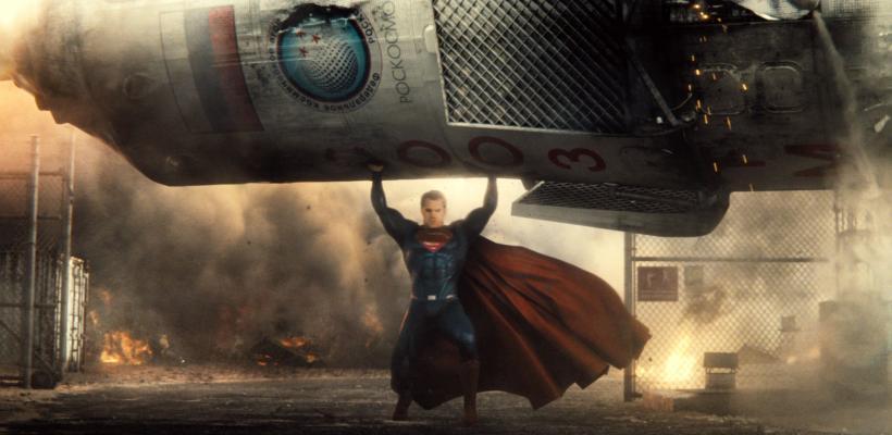 Fans de Batman v Superman celebran el cuarto aniversario de la película