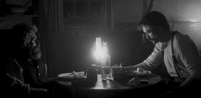 El Faro: Robert Eggers reveló la idea original de la película y es aún más extraña que el resultado final