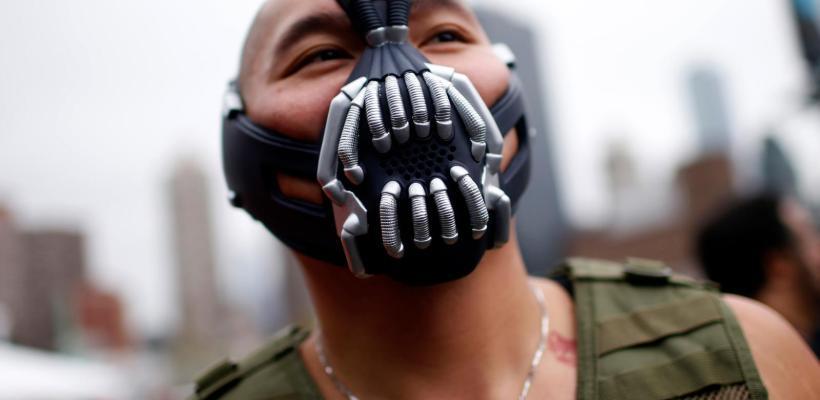 Se disparan ventas de máscaras de Bane para protegerse del Covid-19
