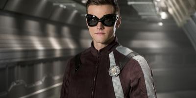 Despiden a actor de The Flash por tuits misóginos