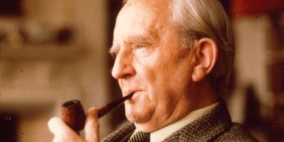Acusan a Tolkien de machista y racista y los fanáticos lo defienden en redes sociales