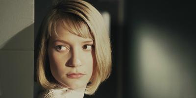 Mia Wasikowska, Rosamund Pike, Jason Clarke y Jack OConnell en HHHH