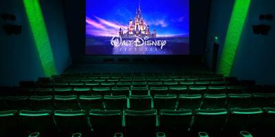 Estudios de Hollywood podrán comprar cadenas de cine gracias a nueva ley