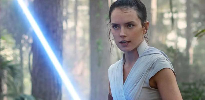 Star Wars: Daisy Ridley revela que Rey iba a ser descendiente de Obi-Wan Kenobi originalmente