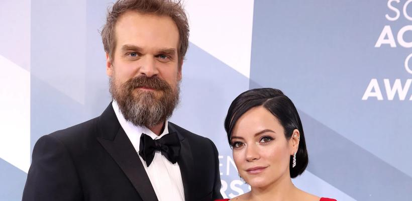 David Harbour, de Stranger Things, se casa con Lily Allen en Las Vegas
