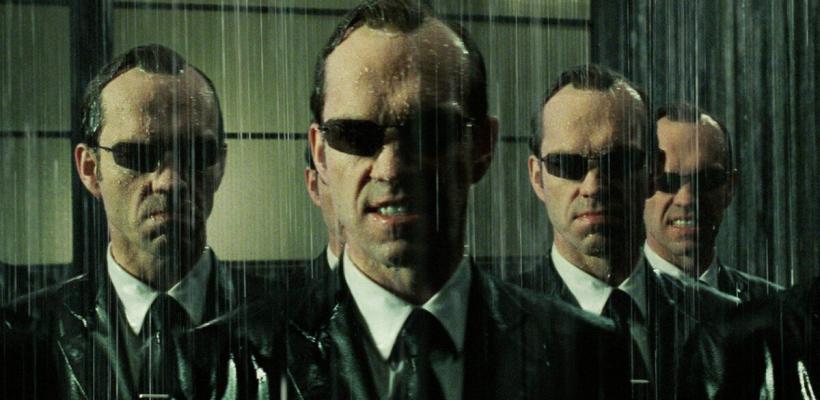 Hugo Weaving asegura que el mensaje de Matrix se malentendió y la ultraderecha lo pervirtió