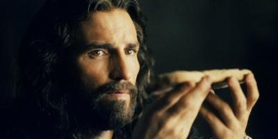 Jim Caviezel, de La Pasión de Cristo, dice que hundieron su carrera por no ocultar su fe cristiana