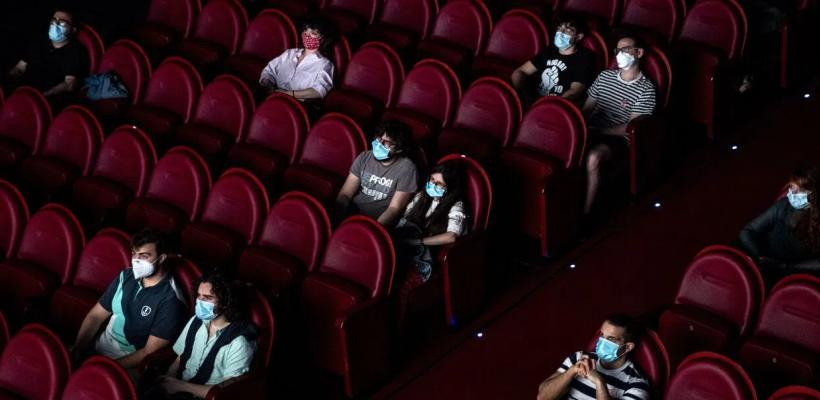 """Cineastas piden ayuda al Congreso: """"los cines tal vez no sobrevivan"""""""