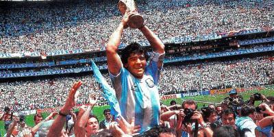 Fallece el futbolista Diego Armando Maradona  a los 60 años