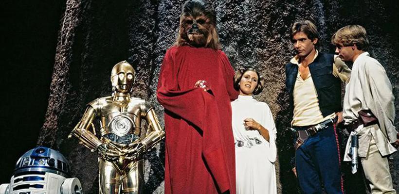 Anthony Daniels declara que grabar el Star Wars Holiday Special fue como estar en un funeral extraño