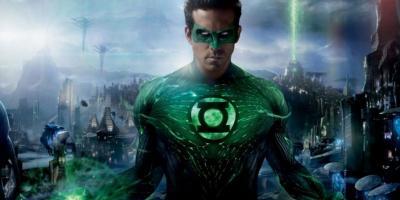 Ryan Reynolds por fin vio Linterna Verde, tuiteó el evento y creó su propio cóctel