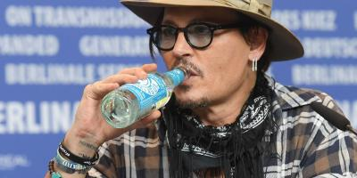 Johnny Depp vuelve a romantizar las adicciones en artistas