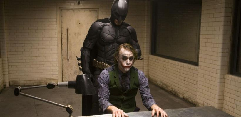 Batman: El Caballero de la Noche se vuelve tendencia en redes como comedia romántica