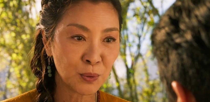 Michelle Yeoh dice que Jackie Chan era sexista hasta que ella le pateó el trasero