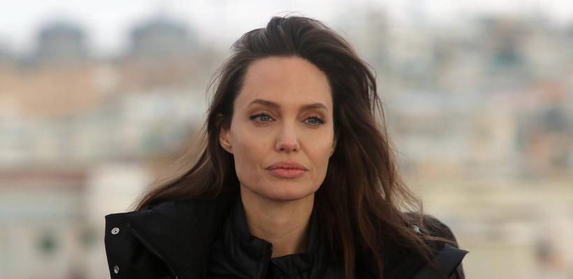 Angelina Jolie revela que se sintió herida cuando Brad Pitt trabajó con Harvey Weinstein