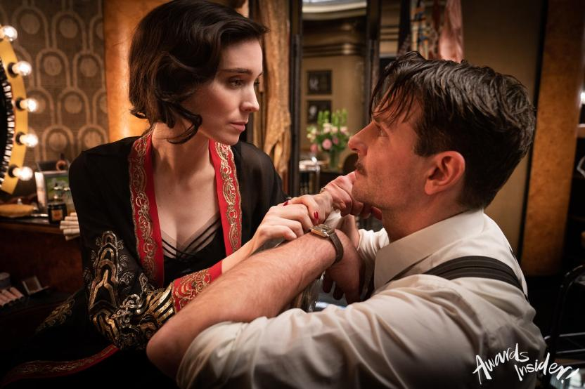 Nightmare Alley: Stanton with Molly (Rooney Mara), one of the women he ripped off