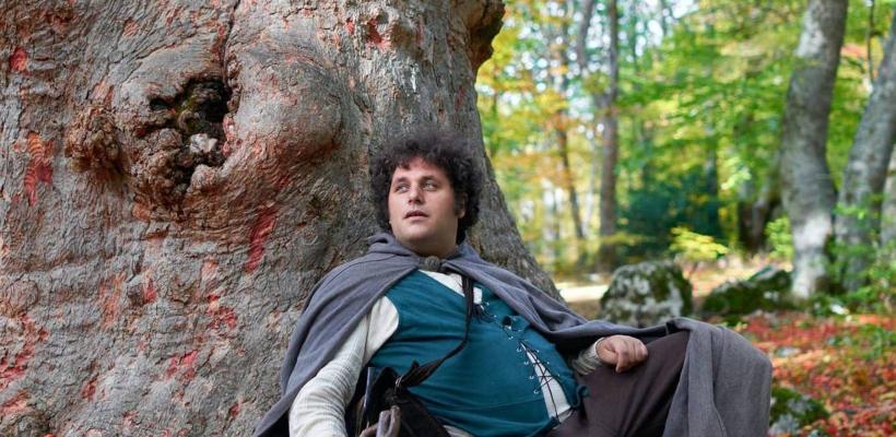Elenco de El Señor de los Anillos felicita a hombre que vive como Hobbit