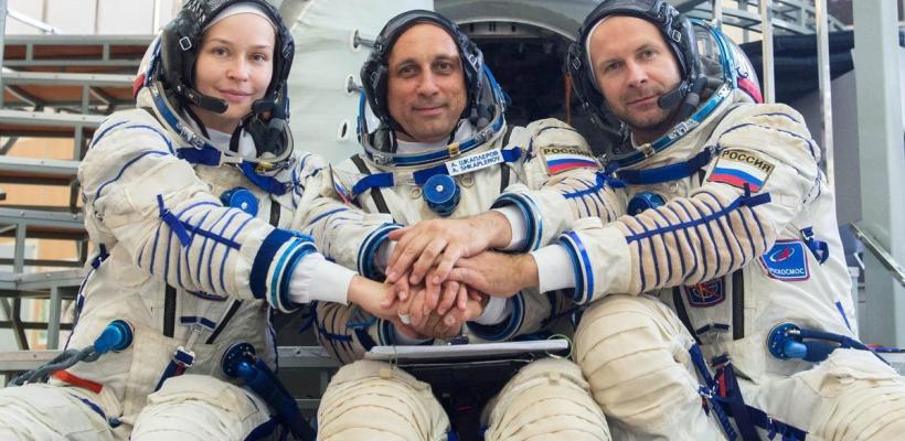 Equipo de filmación ruso vence a Tom Cruise en la carrera por hacer la primera película en el espacio