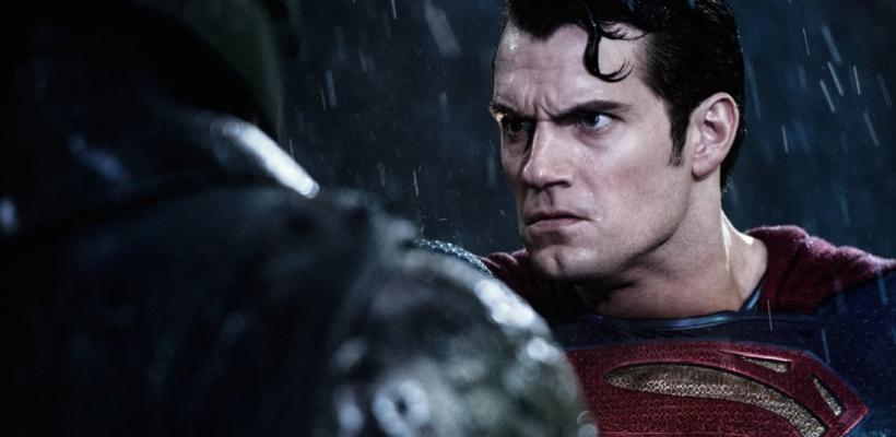 Escritor de DC Comics critica al Superman de Henry Cavill