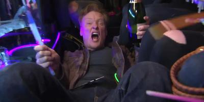 Conan va a la premiere de Magic Mike XXL