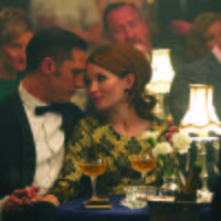 Tom Hardy y Emily Browning en Legend