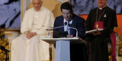 Mark Wahlberg se disculpa con el Papa Francisco por Ted
