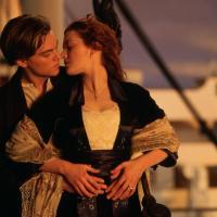 EL BESO REY DEL MUNDO (Titanic): Mucho cuidado con este espectacular beso, podrías acabar congelad@ (o casad@) después de darlo.