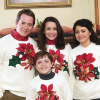 Matthew Broderick, Kristin Davis, Alia Shawkat, y Dylan Blue en Un Vecino con Pocas Luces (2006)